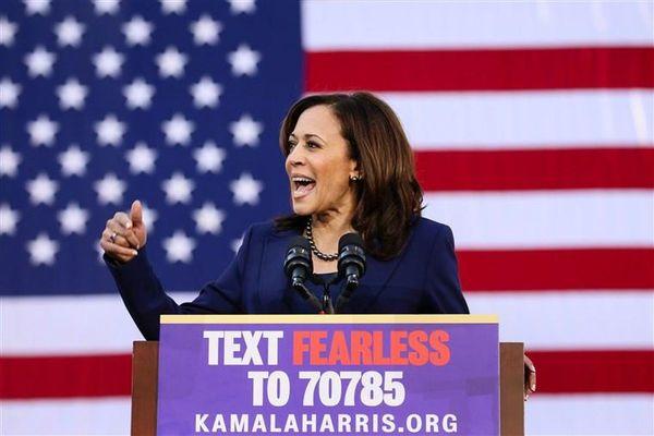 Bà Kamala Harris: Chỉ cần nhìn là tôi biết ngay một kẻ bắt nạt