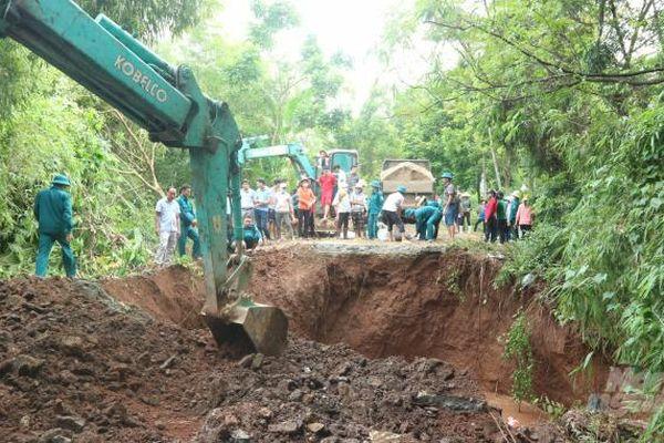 Hà Nội: Sập cống qua đê hữu sông Đáy tại huyện Mỹ Đức