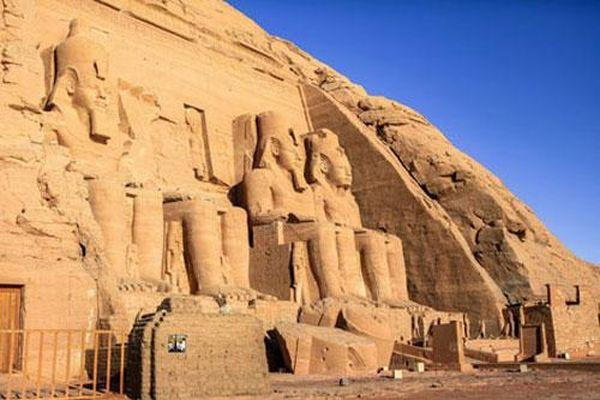 Đền Abu Simbel và Hoàng hậu bí ẩn nhất trong lịch sử Ai Cập cổ đại
