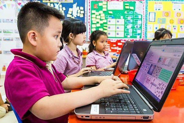 Phụ huynh Trung Quốc muốn kiểm soát tốt việc con cái truy cập Internet