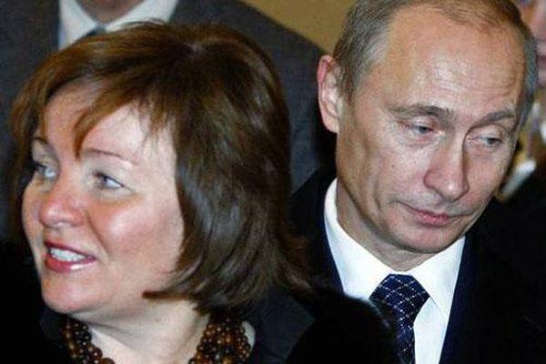 'Thâm cung bí sử' ông Putin và vợ cũ