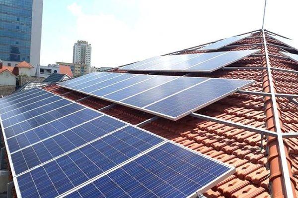 Cách nào phát triển điện mặt trời mái nhà?