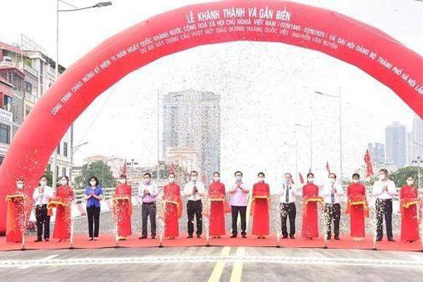 Hà Nội thông xe cầu vượt nút giao Hoàng Quốc Việt - Nguyễn Văn Huyên