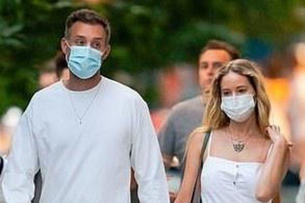 Jennifer Lawrence tận hưởng cuộc sống hôn nhân