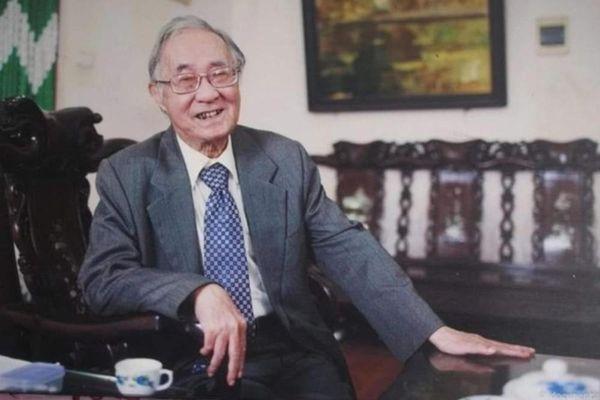 Học giả Phan Ngọc - đi guốc mộc nói chục thứ tiếng