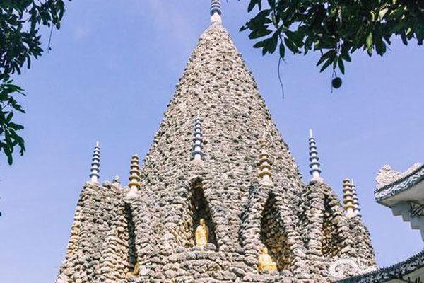 Kỳ thú tháp vỏ ốc cao nhất Việt Nam và bí ẩn '18 tầng địa ngục' ở Chùa Ốc