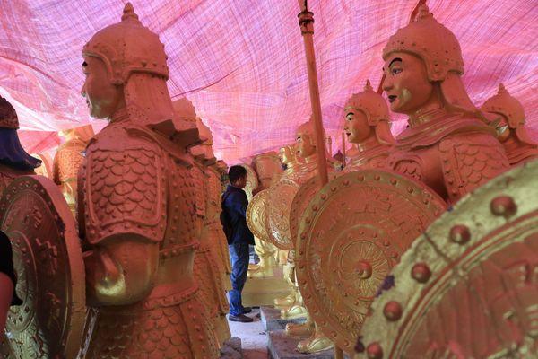 Hàng chục pho tượng người lính gây tranh cãi ở Lâm Đồng: Chủ nhân lên tiếng
