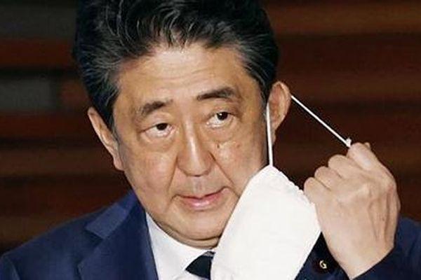 Giai đoạn khó khăn của ông Shinzo Abe