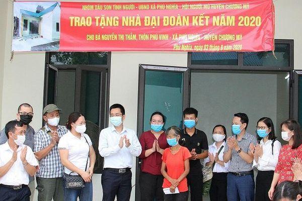 Huyện Chương Mỹ: Trao tặng nhà đại đoàn kết cho hội viên Hội Người mù xã Phú Nghĩa