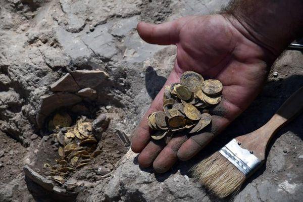 Phát hiện kho tiền vàng nguyên chất 1.100 năm tuổi