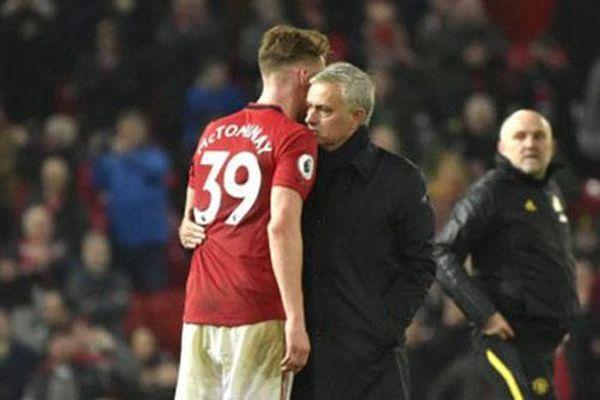 Jose Mourinho muốn tái hợp trò cưng McTominay ở Tottenham