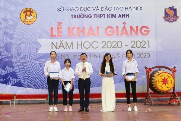 Huyện Sóc Sơn: Phổ biến kiến thức phòng, chống dịch Covid-19 trong tiết học đầu tiên sau lễ khai giảng