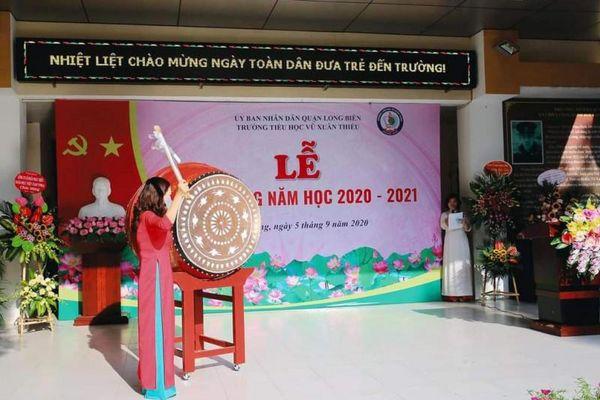Long Biên: Tưng bừng khai giảng năm học mới