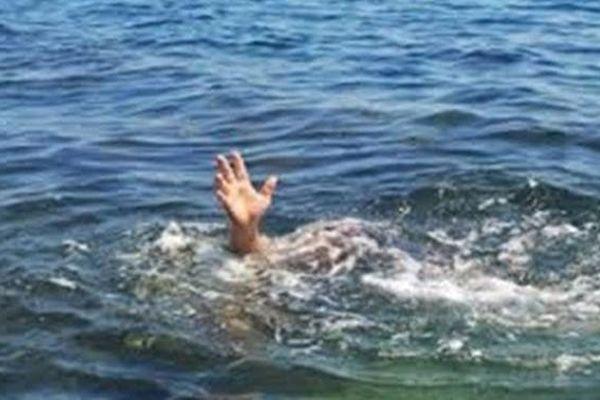 Đi câu cá, ba học sinh chết đuối thương tâm
