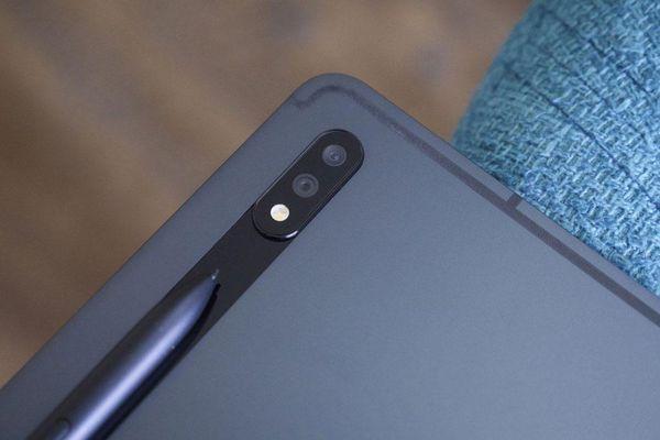 Mở hộp Samsung Galaxy Tab S7 Plus giá 23,99 triệu tại Việt Nam