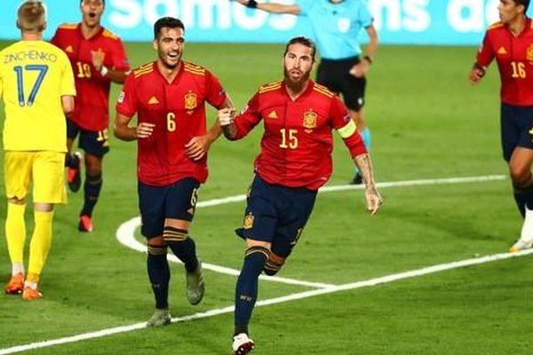 'Thần đồng' Barcelona tỏa sáng, Tây Ban Nha thắng vùi dập Ukraine