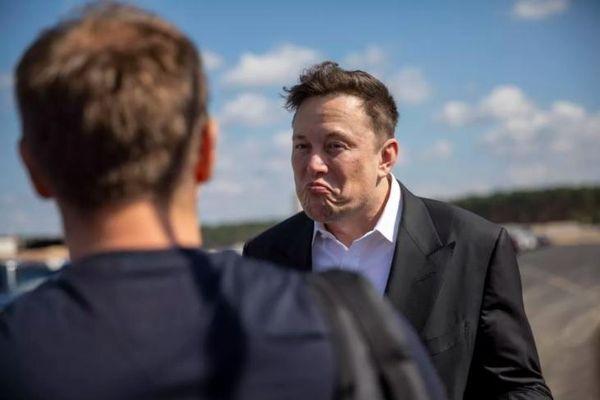 Elon Musk vừa mất 16,3 tỷ USD trong một ngày