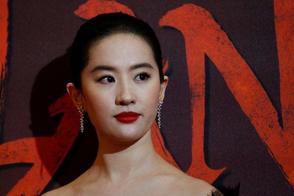 Mặc bao lời chê bai, Mulan sẽ 'đóng đinh' tại rạp chiếu Trung Quốc suốt 3 tháng?