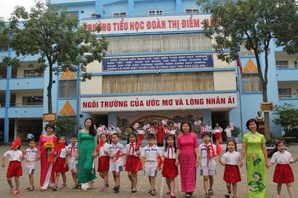 Học sinh lớp 3 trường Đoàn Thị Điểm bị bỏ quên trên xe