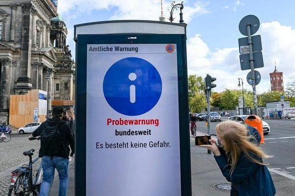 Hàng chục nghìn còi báo động trên khắp nước Đức đồng loạt kêu