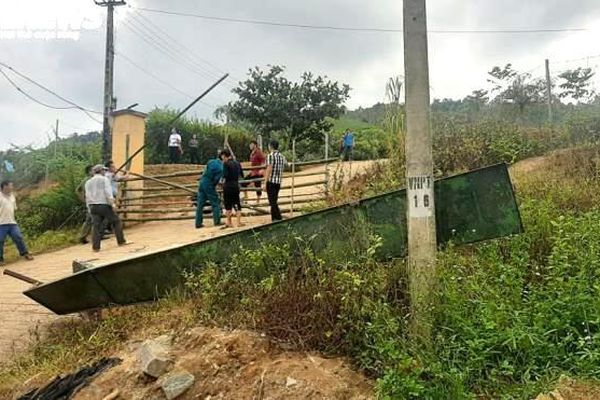 Xác định nguyên nhân sập cổng trường đè chết thương tâm 3 học sinh ở Lào Cai