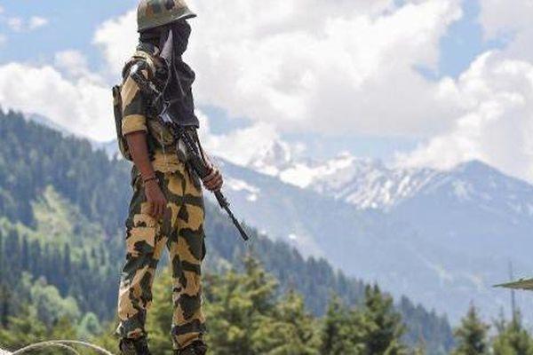 Báo Ấn Độ: Lính Ấn Độ ở vùng biên giới bị tấn công bất ngờ, 'hung thủ' đã bỏ trốn vào rừng