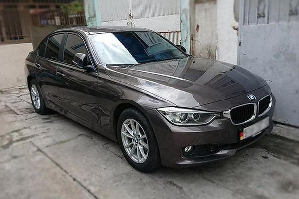 BMW 320i 2012 bán rẻ ngang Hyundai Elantra có nên sở hữu?