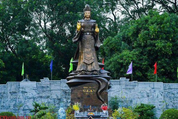 Cận cảnh bức tượng đồng nguyên chất lớn nhất Việt Nam