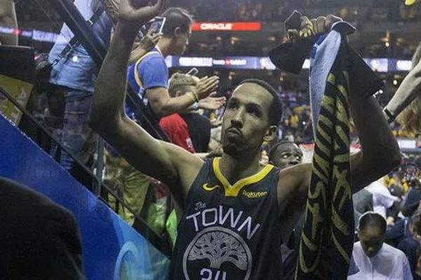 Cựu sao Golden State Warriors tái hợp 'mái nhà xưa', gây bất ngờ NHM bằng vai trò mới trong sự nghiệp