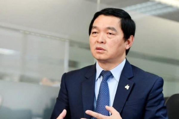 Chủ tịch Tập đoàn Xây dựng Hòa Bình bị UBCK xử phạt