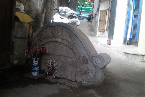 Bí ẩn về những nấm mộ hoang giữa lòng Hà Nội