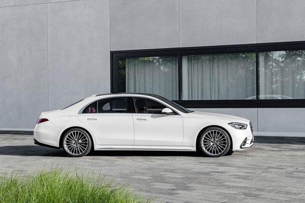 Mercedes-Benz S-Class 2021 chốt giá hơn 2,5 tỷ đồng