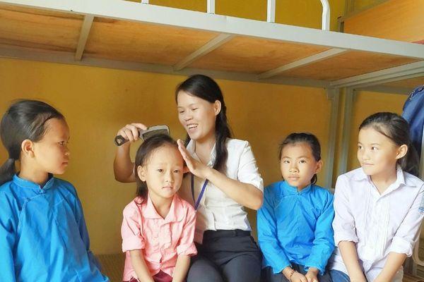 Tiếp sức cho học sinh vùng cao tới trường