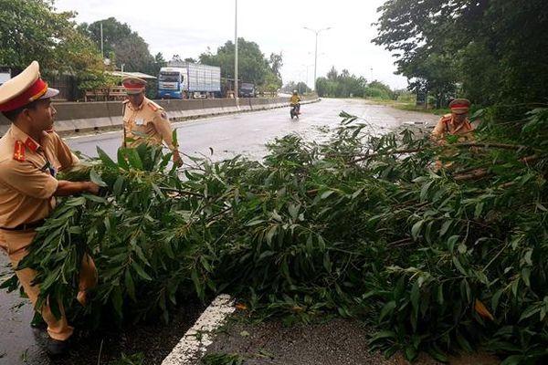 Quảng Nam nghiêm cấm tàu thuyền ra khơi để phòng chống bão