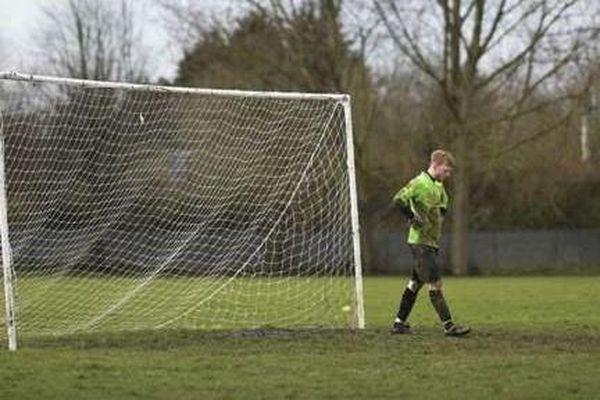 Ông chủ đội bóng Đức hài lòng với trận thua 0-37