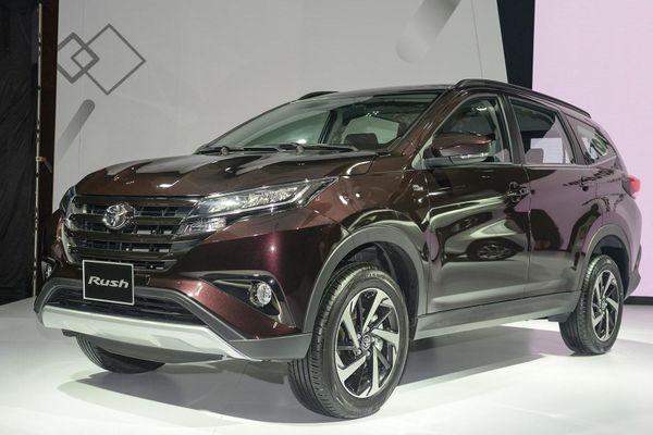 Toyota giảm giá Rush tại Việt Nam