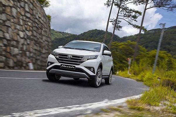 Cận cảnh Toyota Rush vừa giảm 35 triệu đồng tại Việt Nam