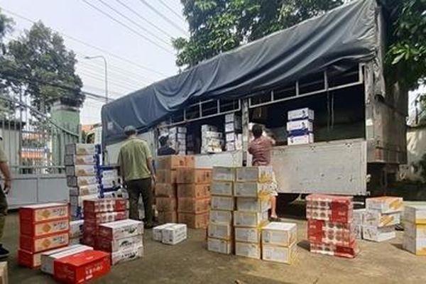 Tạm giữ hơn 45 nghìn hộp bánh nghi nhập lậu
