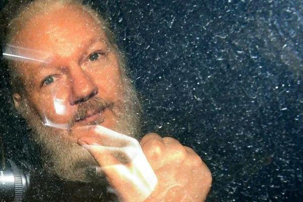 Tổng thống Trump từng đề nghị ân xá cho người sáng lập WikiLeaks