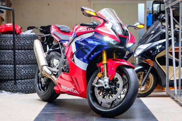 Chi tiết Honda CBR1000RR-R SP giá hơn 1 tỷ đồng tại Việt Nam