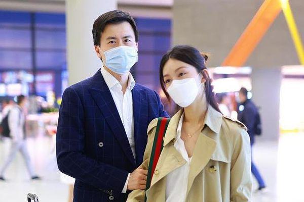 Hôn nhân của Văn Vịnh San sau một năm cưới