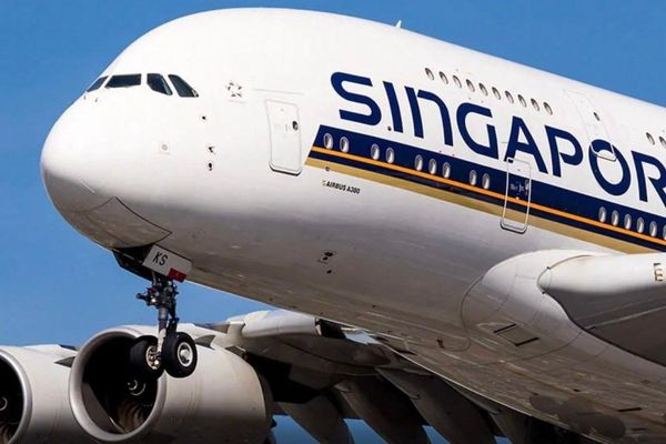 Phi công Singapore chấp nhận giảm lương để giữ việc làm