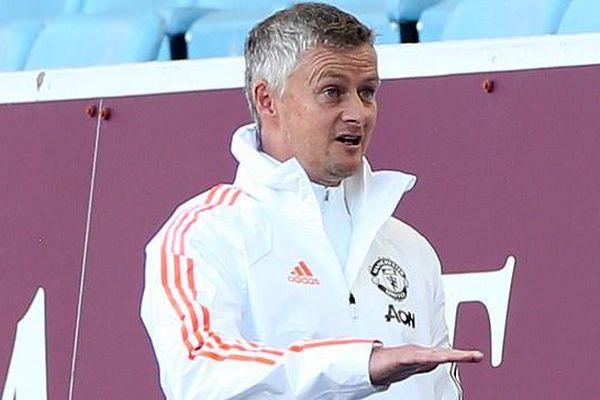 Manchester United khó đua top 4