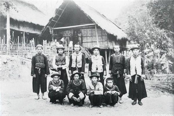 Đồng bào dân tộc thiểu số Tây Nghệ cách đây gần 100 năm