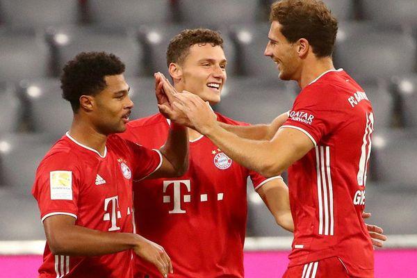 ĐKVĐ Bundesliga hủy diệt Schalke 8-0 ở trận ra quân