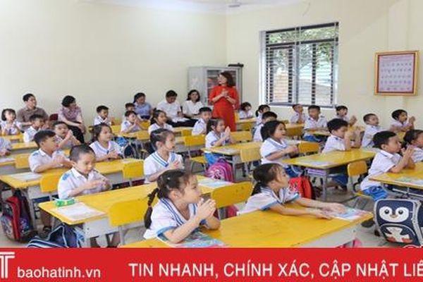 Giáo viên, học sinh lớp 1 hào hứng trong tuần đầu triển khai chương trình sách giáo khoa mới