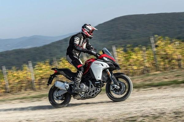 'Hàng nóng' Ducati Multistrada V4 2021 mới lộ diện