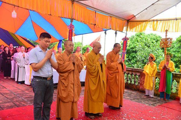 Hải Phòng : Lễ an vị long cốt, cất nóc tổ đường chùa Linh Sơn