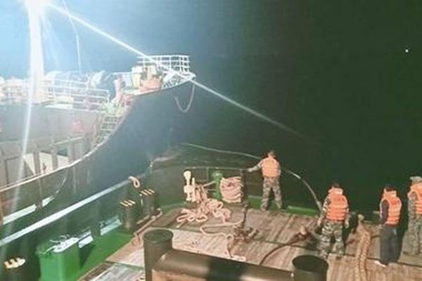 Lữ đoàn tàu ngầm 189 cứu hộ thành công tàu vận tải biển GLOBE 6