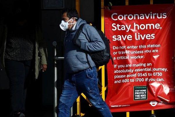Số ca nhiễm Covid-19 tăng vọt, Anh đứng trước nguy cơ tái phong tỏa toàn quốc